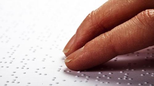 Lecture sur papier braille